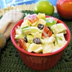 Foto da receita: Salada Waldorf com passas