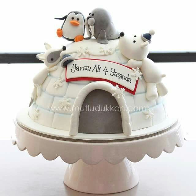 cute Igloo Cake with sweet little Animals