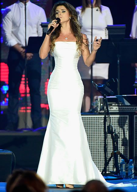 Curvas de Paula Fernandes chamam atenção no Grammy Latino - Celebridades e Famosos - Yahoo Celebridades Brasil