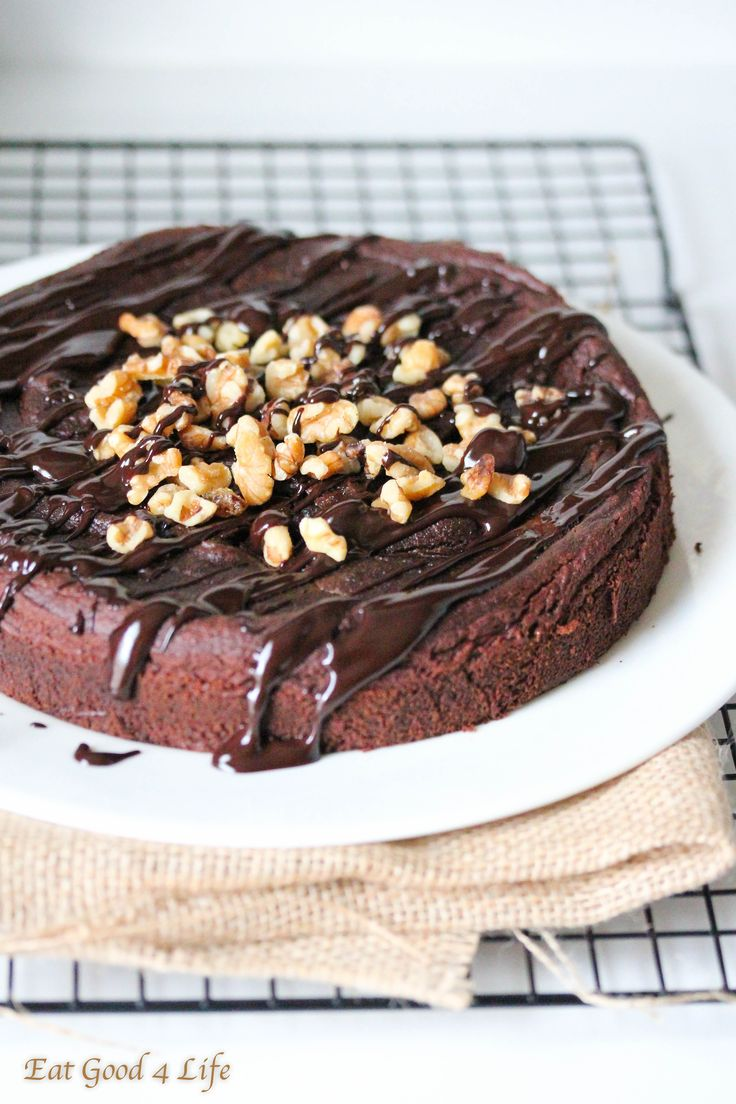 gluten free chocolate avocado cake : out of this world!