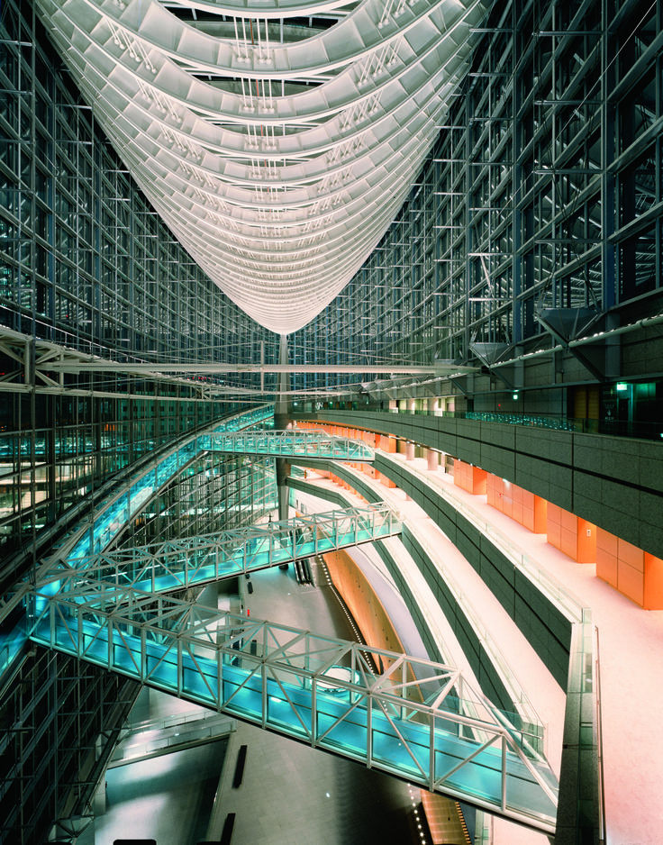 Tokyo International Forum | Rafael Viñoly Architects | Evening view of Glass Hall