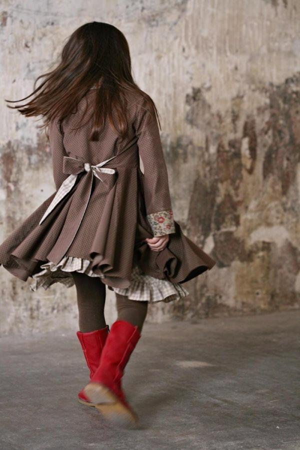 wonderful photo ... wonderful outfit ... !