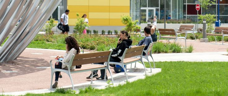 Maglin's MLB870-W wooden bench was published with this french article on the CUSM Centre Hospitalier Universitaire McGill in Montreal Quebec. Article : http://www.journaldequebec.com/2015/05/21/les-fenetres-du-nouveau-cusm-bloquent-le-signal-cellulaire