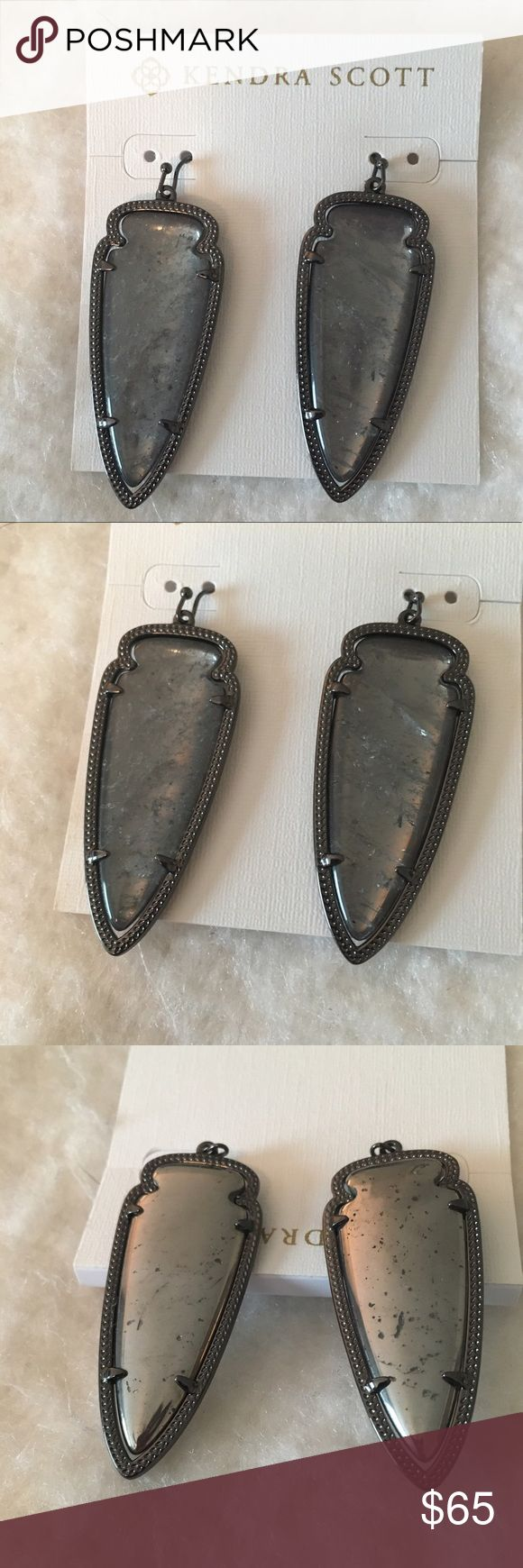 EUC Kendra Scott Skylar Rock Crystal Earrings Excellent used condition! Comes wth pouch & tag. Kendra Scott Jewelry Earrings