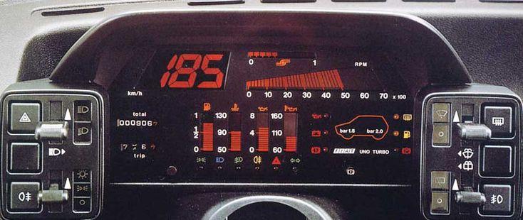 1985 Fiat Uno Turbo dash