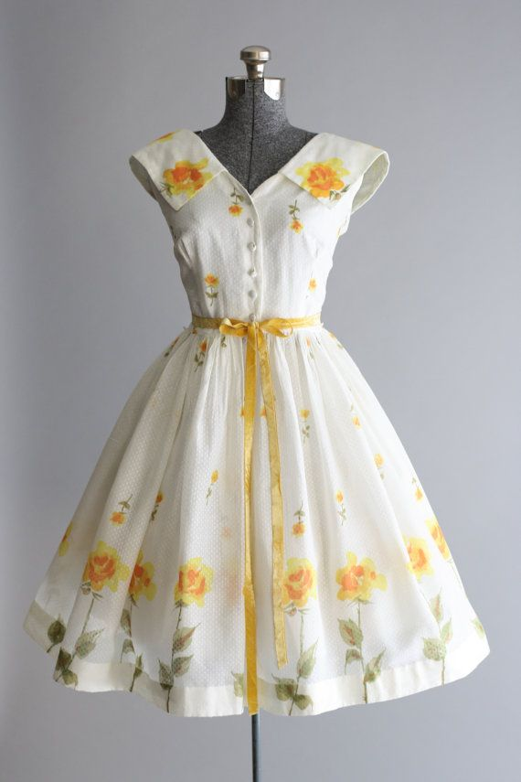 Vintage 1950s Dress / 50s Cotton Dress / Muriel Ryan Swiss Dot Rose Print Sun Dress M