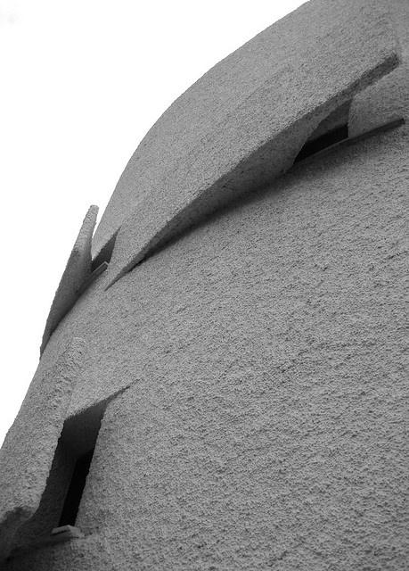 Santa Marinella: villa La Moresca, esterno - Luigi Moretti, via Flickr.