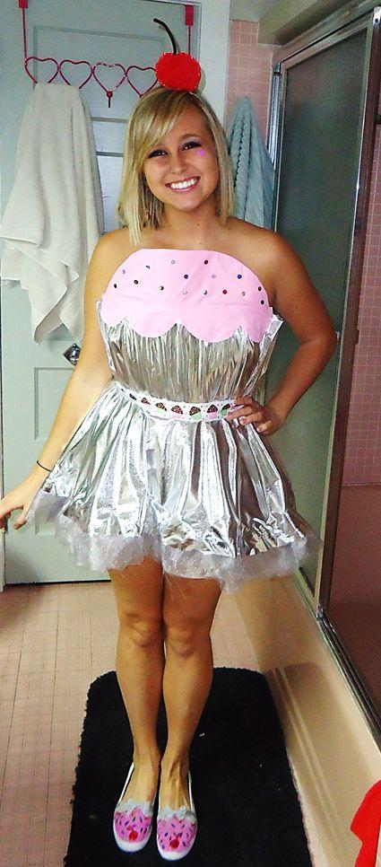 The cutest cupcake costume ever