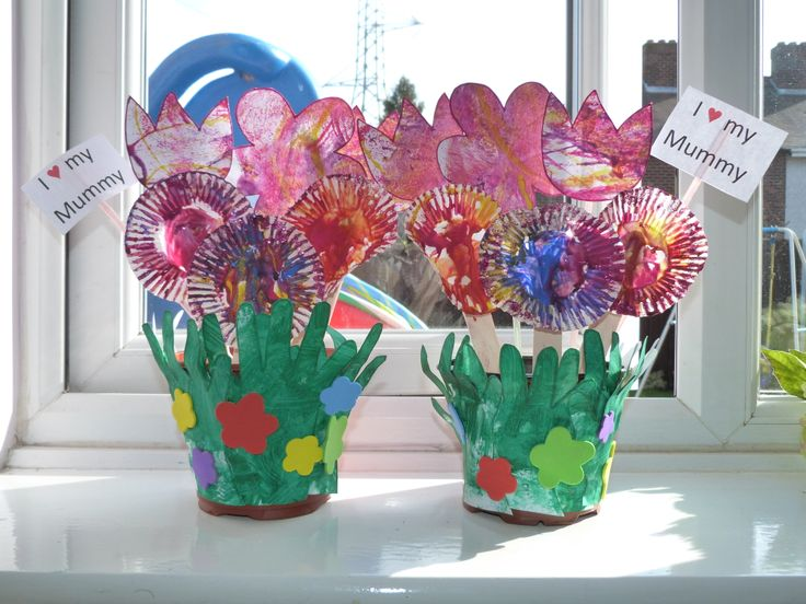 Mothers Day handmade flowers. Full pictures can be found at https://www.facebook.com/media/set/?set=a.829567633723331.1073741857.696796593667103&type=1
