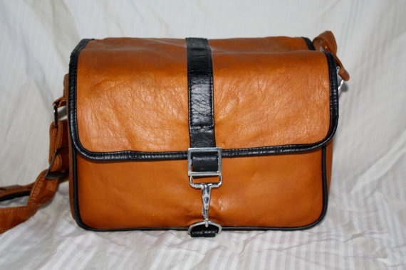 1970s Mens Leather Dopp Kit Toiletry Bag by in2purses2010 on Etsy, $25.00
