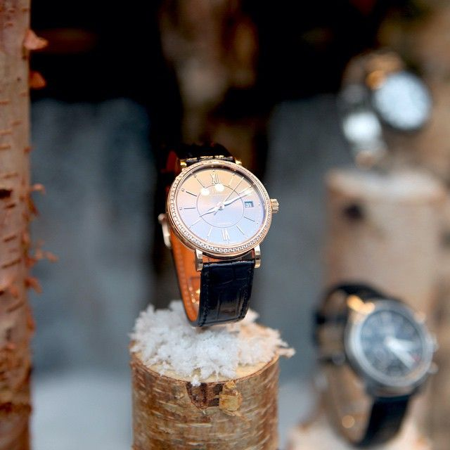If you are shopping for a special #Christmas gift, @watchesofswitzerland_official in #RegentStreet house some of the world's finest watches. #Trendsetter #Jetsetter http://bit.ly/1FYO1a0