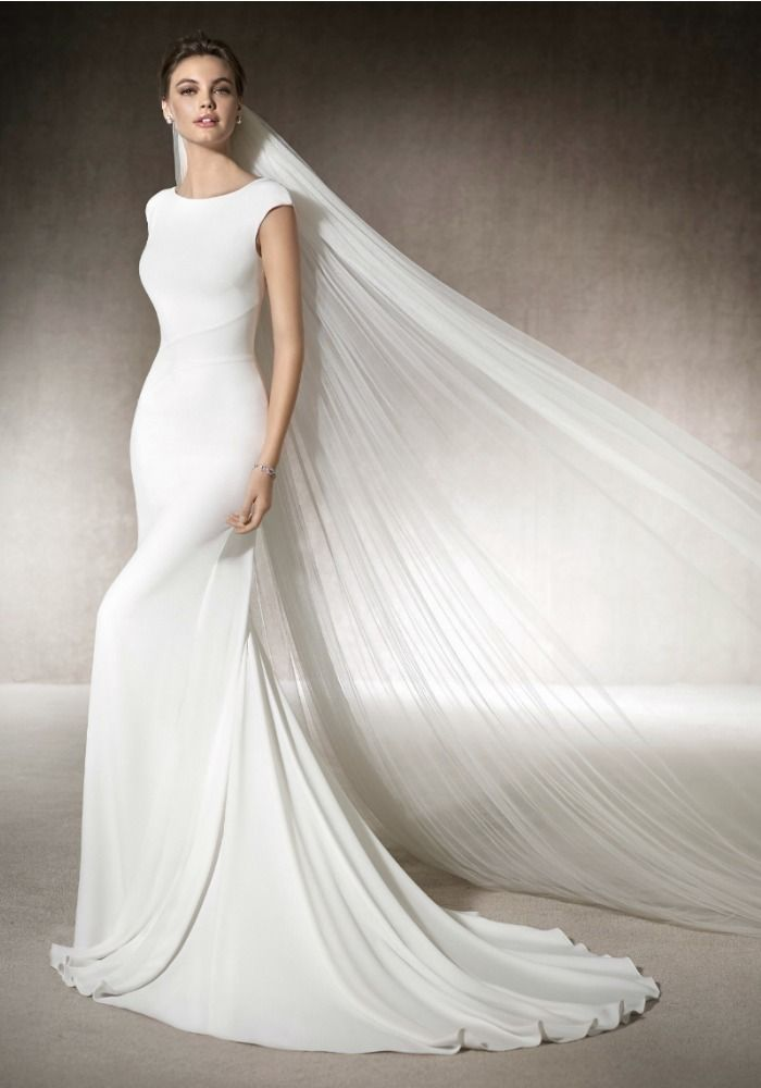Great St Patrick Mermaid wedding dress in crepe with a wonderful boat neck neckline u