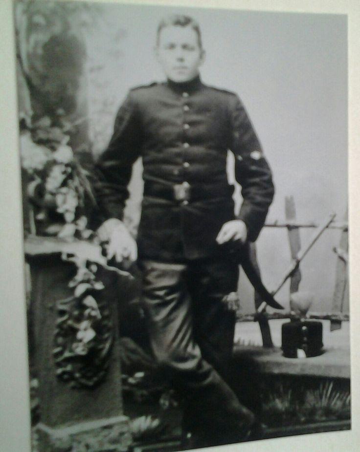 Pake Dijkstra in vol ornaat. De eerste wereldoorlog was voorbij.