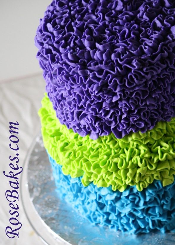 Video Tutorial: Messy Buttercream Ruffles Cake in Peacock Colors (using Wilton #104 Petal Tip)
