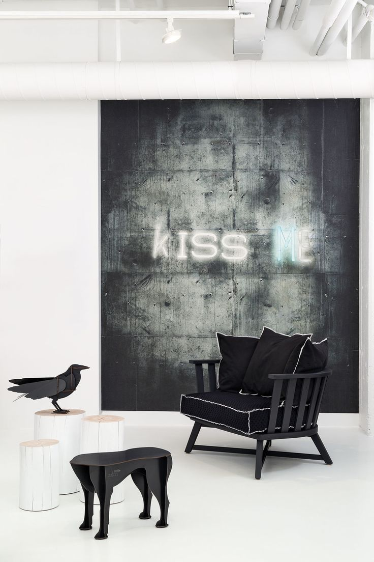 Kiss_Me_1-001_8.jpg