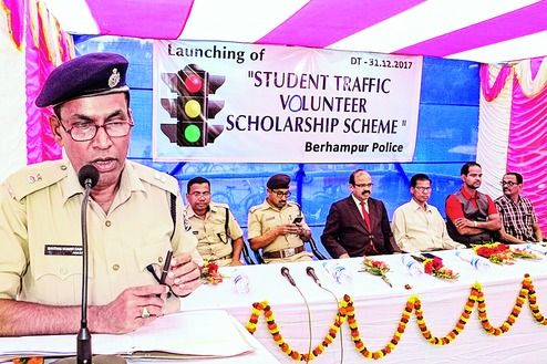 Students to assist traffic police #college
