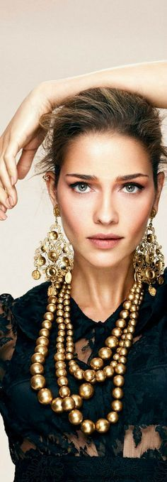 Gold & Bold. The necklace & earrings makes a dynamic duo that would complete any blasé ensemble.. or spice up an already-epic one. Right on. xx Dressed to Death xx #lace #model #fashion