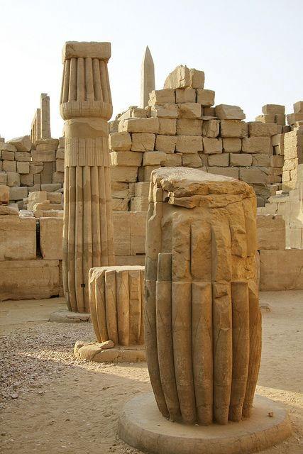 Temple d'Amon-Rê Temple de Karnak ~ Luxor ~ Égypte.