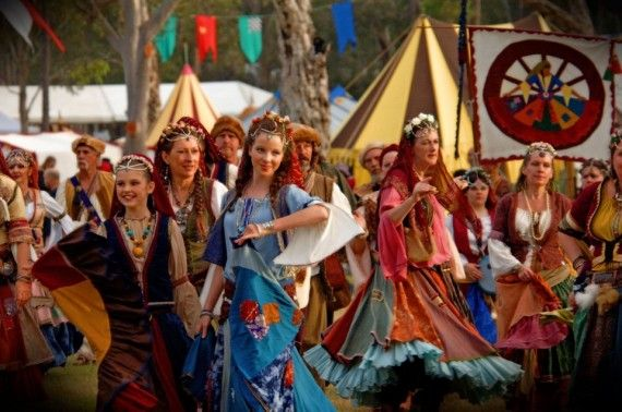 Medieval Hen Party Theme :https://www.thefoxyhen.com/hen-party-themes/medieval   Credit Image  : queensland . blog. com