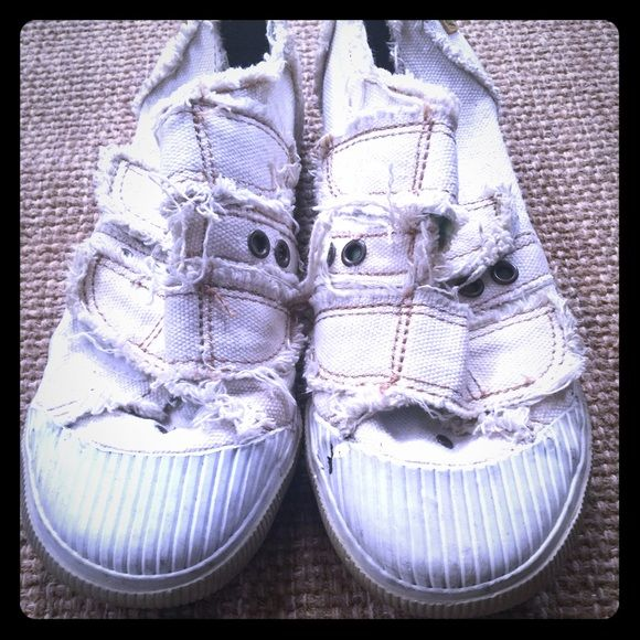 Off white Blowfish shoes Super cute off white Blowfish shoes!!! They were my favorite pair for about 4 months, so they do have wear, as shown in photos... They need to be cleaned up, but other than that, they're in good condition!!! If interested I'll clean them & post more pics!!! Blowfish Shoes Sneakers