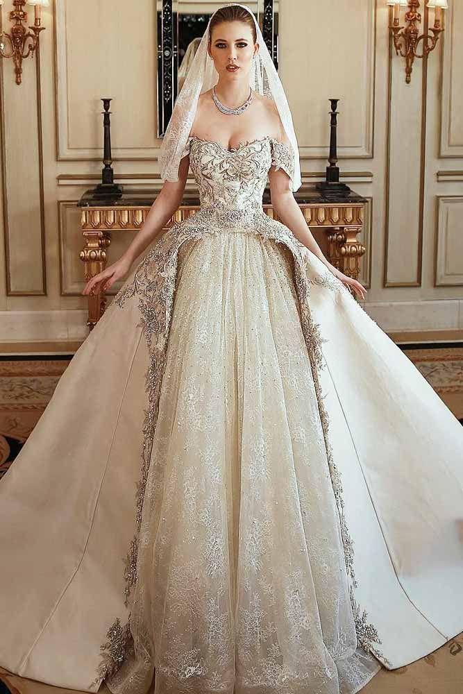 30 Fabulous And Unique Vintage Wedding Dresses To Fit Any Taste Fancy Wedding Dresses Wedding Dresses Vintage Wedding Dress Types