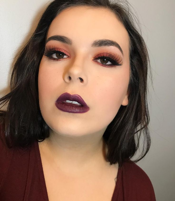 "17 Likes, 3 Comments - Freelance Makeup Artist (@christinahamiltonmakeup) on Instagram: ""Ready for fall  Used my new @offabeauty brushes for this! • • • • • • • • • • #fallmakeup…"""