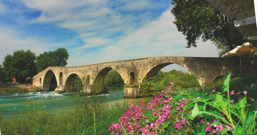 VISIT GREECE| Bridge in Arta!  The most charming #season of the year is here! The #Greek countryside is waiting to reveal its secrets! Autumn, with golden brown foliage and mild temperature is the ideal time to visit Greece, if you are looking to experience the culture, local life, unique natural environments and sports!