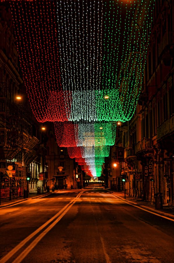 National Flag of Italy  I want to do this on a pergola in my backyard!!!!