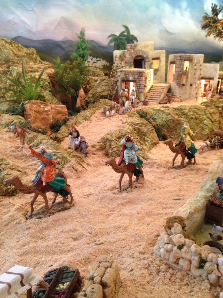 Los Reyes en el Pesebre!! - Visita http://www.regalipernatale.eu