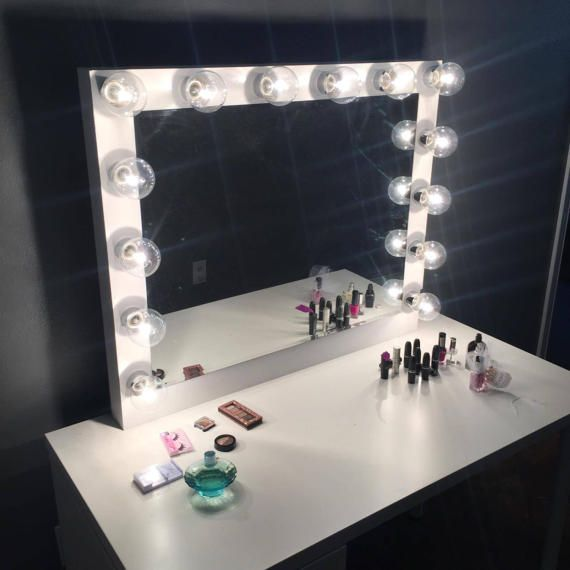 Best 25 Mirror with light bulbs ideas on Pinterest Vanity with