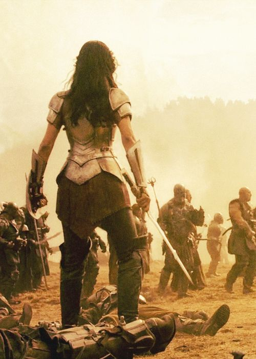"""Modified back shot, Lady Sif, The Dark World. Shows back of armor, with layers and three-part """"skirted"""" detail."""