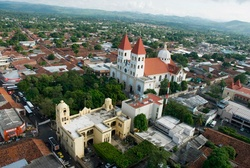 my other half, san miguel, el salvador <3 only 1 hour away from Honduras :)
