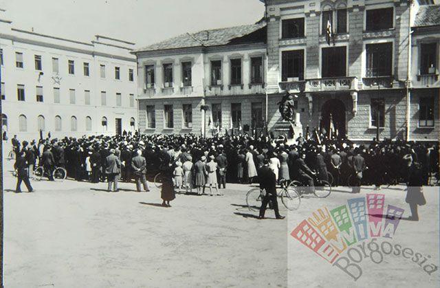 Piazza Frascotti #piazzafrascotti #borgosesia #italy #piedmont