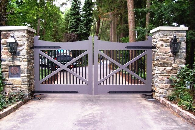 Wood Automated Driveway Gate - perfect for the farm....