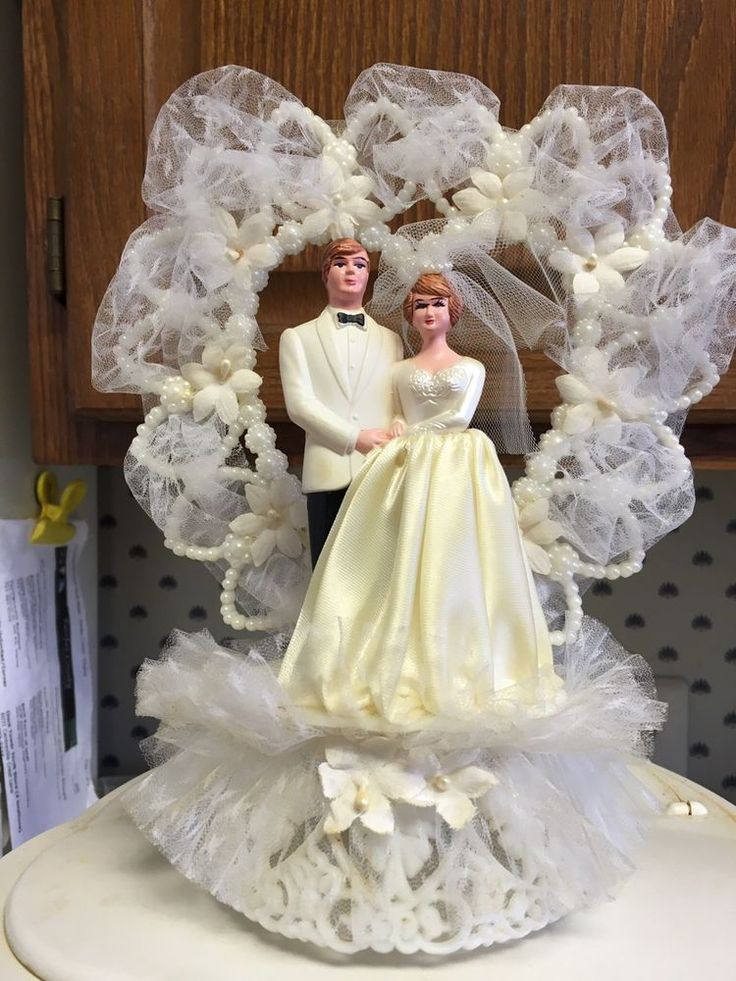 vintage wedding cake toppers   Wedding Decor Ideas 544 best Vintage Wedding Cake Toppers images on Pinterest   Retro weddings