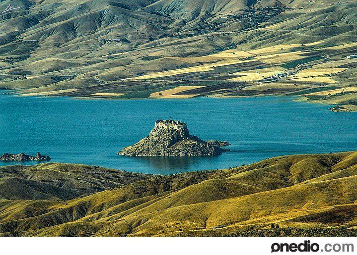 TUNCELI Pertek castle