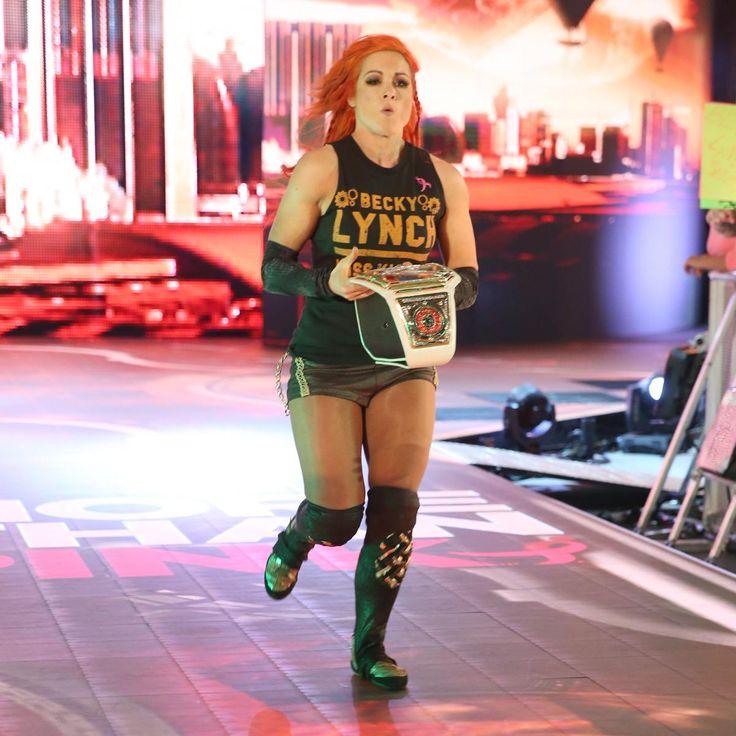 SmackDown 10/4/16: Becky Lynch & Nikki Bella vs. Alexa Bliss & Carmella