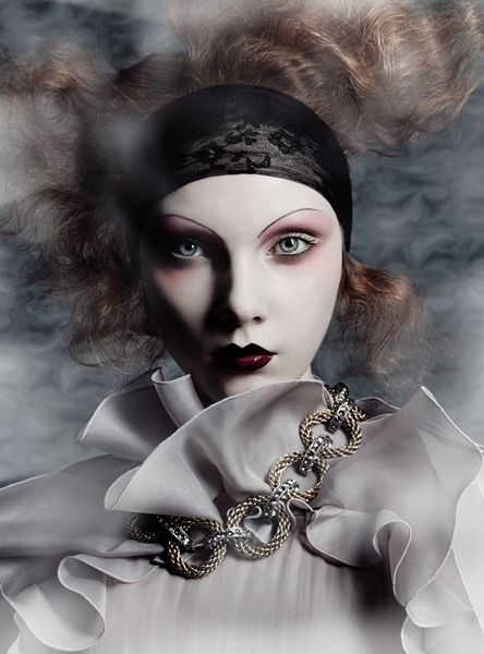 So Chic. 1920's makeup