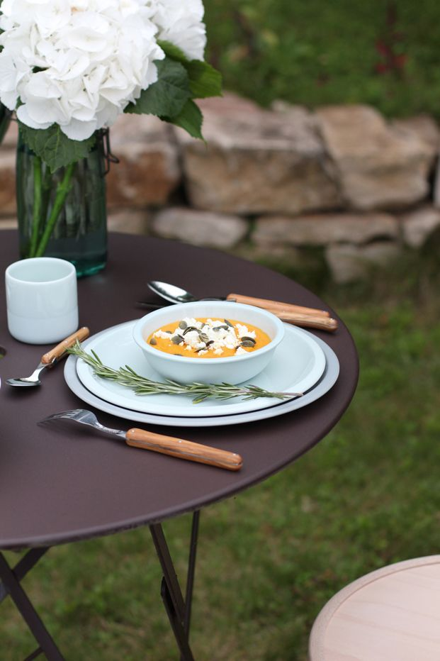 Recette soupe froide de carottes, feta & graines de courge - Besly