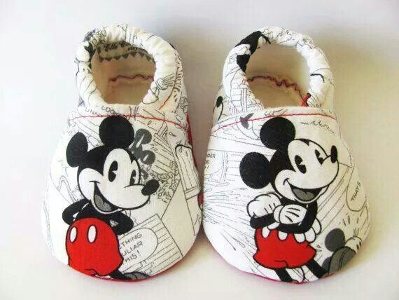 I soo want this for my baby,he loves mickey mouse:)