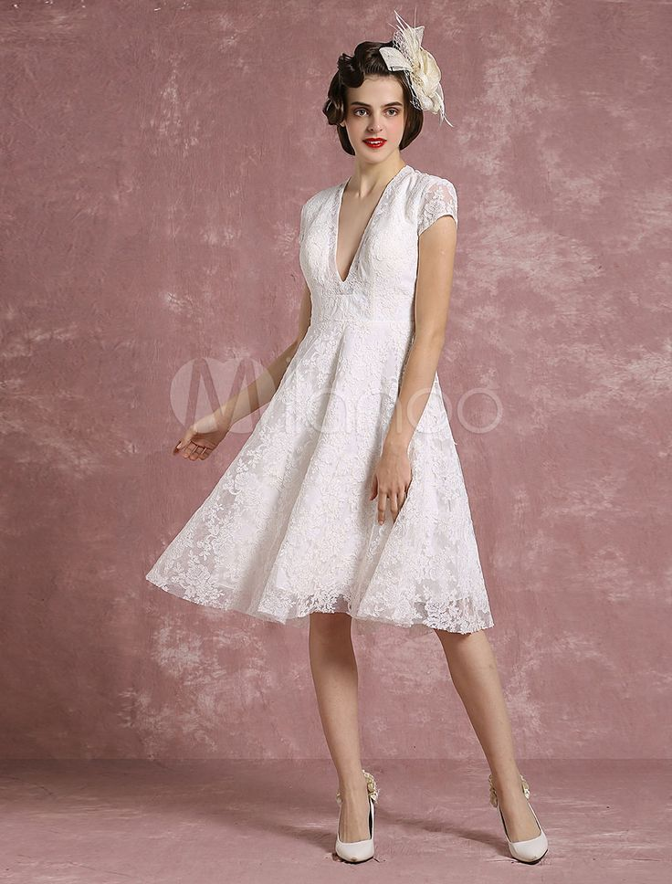 Kurze Hochzeit Kleid Spitze Ivory Brautkleid V Neck rückenfreie eine Linie Kurzarm Knie Länge Vintage Brautkleid