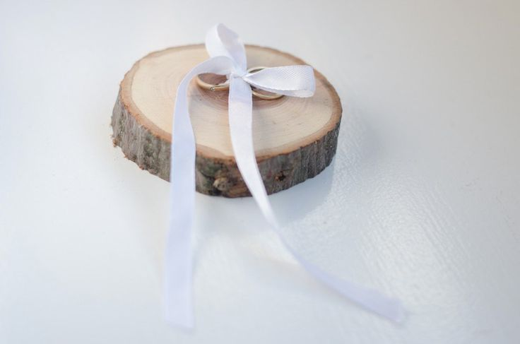 Ring schijfje Zie je het al voor je? Je schattige neefje of nichtje komt de ringen brengen op jullie dag.  Www.tak-online.nl