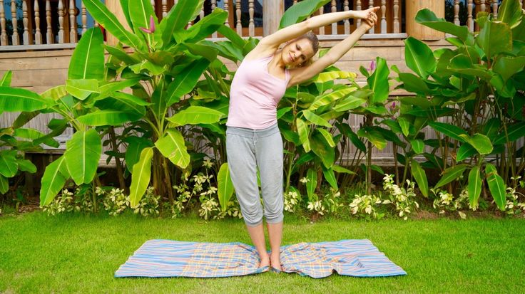 Half-moon position - A very good pose for the back http://www.bebeautyful.me/2016/02/23/yoga-for-the-back/ #yoga #health #yogagirl