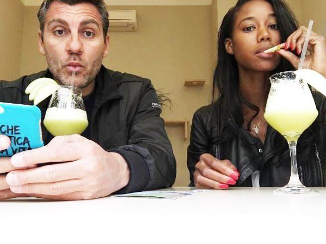 Bobo Vieri: selfie su instagram con la nuova fidanzata - Lei è una modella americana di 27 anni, si chiama Jazzma Kendrick ed è la nuova fiamma dell'ex calciatore Bobo Vieri. - Read full story here: http://www.fashiontimes.it/2016/05/bobo-vieri-selfie-instagram-nuova-fidanzata/