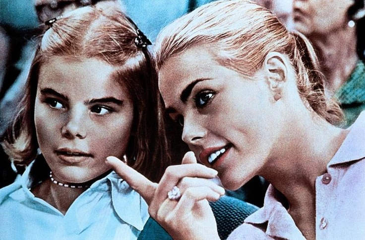 Actress Mariel and her big sister Margaux Hemingway who was a model. they are the granddaughters of Ernest Hemingway