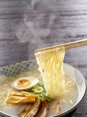 Ramen vegetariani con Mugi miso