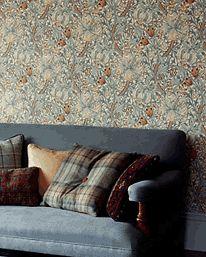 Golden Lily Green/Red från William Morris & Co