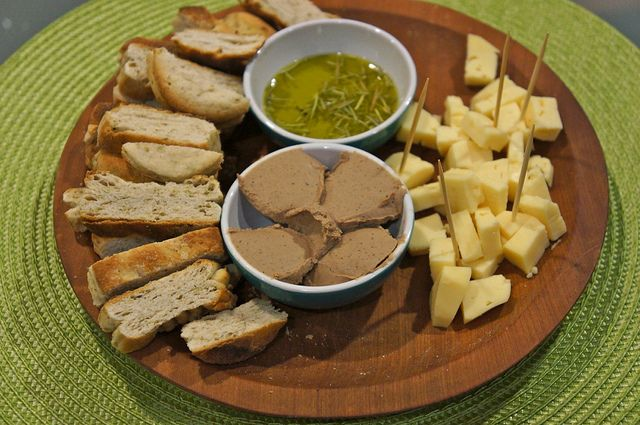 Chilean bread, cheese, pate & olive oil from Kingston Family Vineyards, Casablanca Valley I Photo by Melanie Wynne