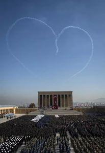 """Nazım Güvenç: Anıtkabir 45 gündür """"komutansız""""! Asıl sorun bu. """"Halı saha"""" değil."""