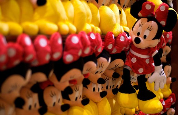 Great tips for the best souvenir buying experience in Disney World. A+ Huffington Post. A+.